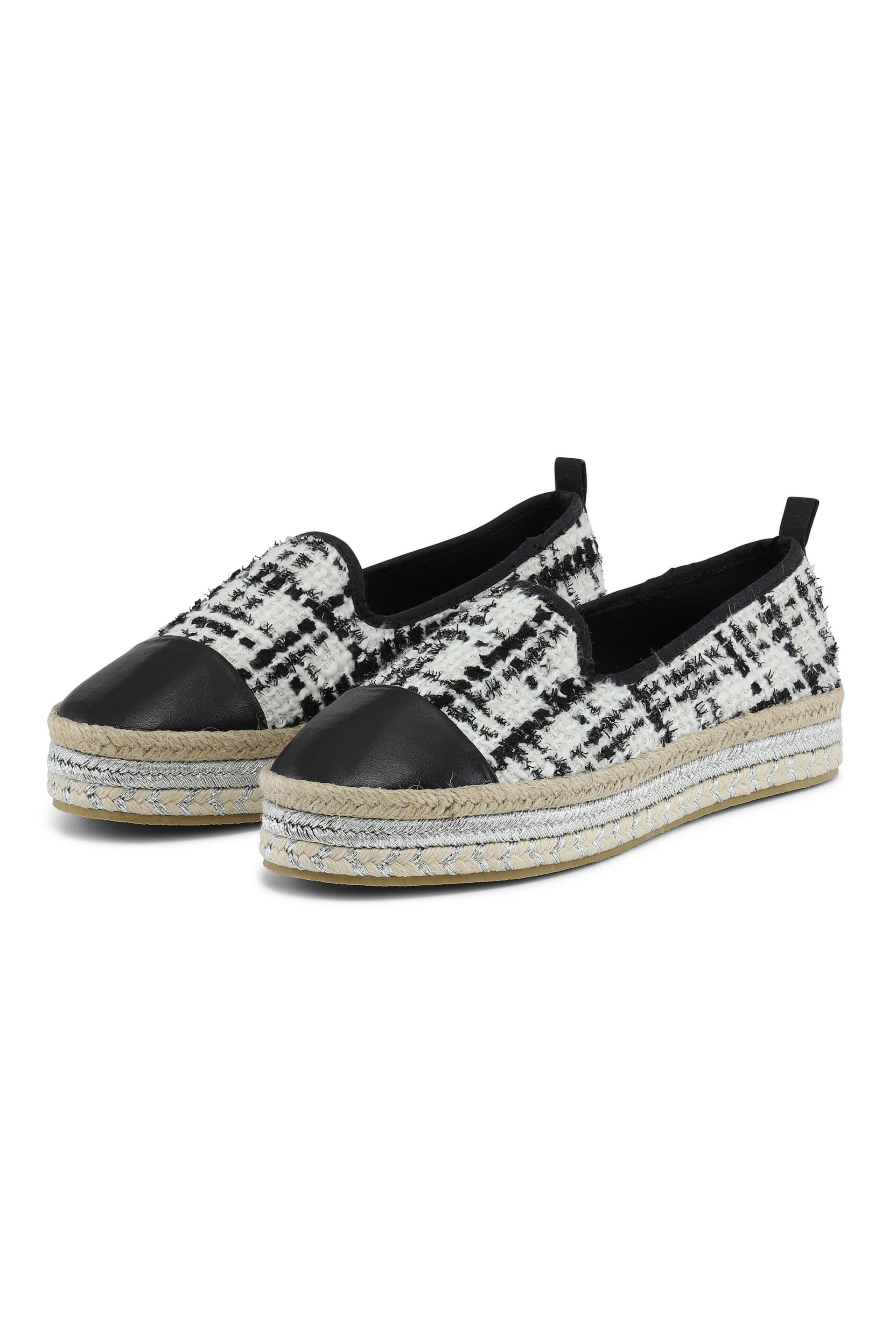 Quiltet espadrillos with silver details