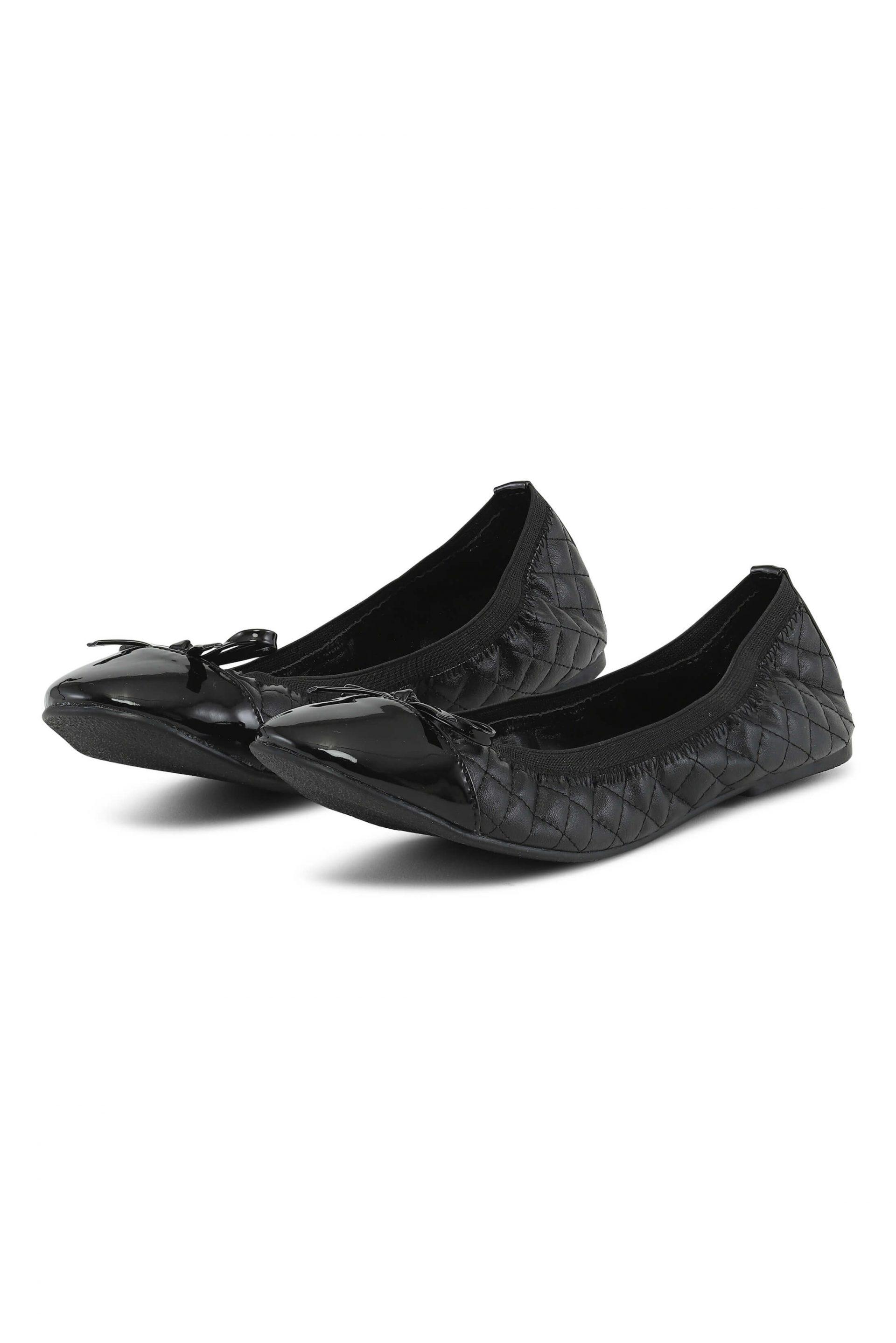 Black ballerinas with quiltet details