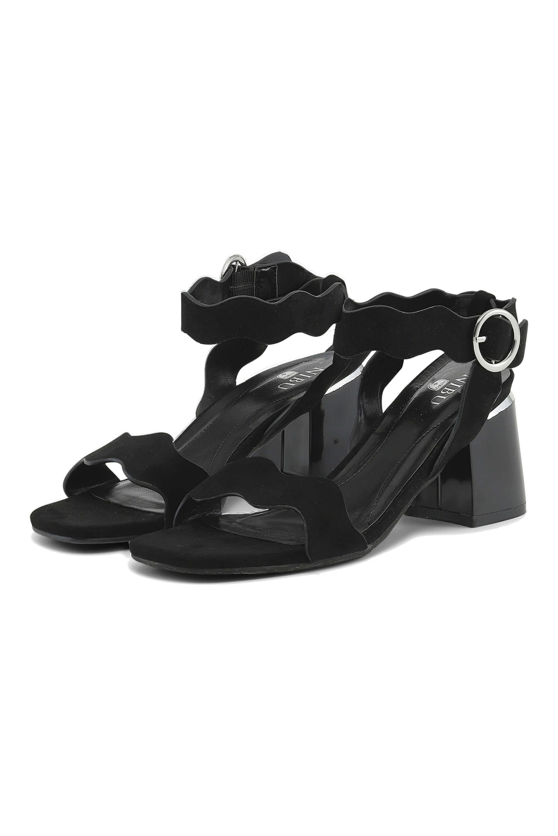 Black sandals with wave band