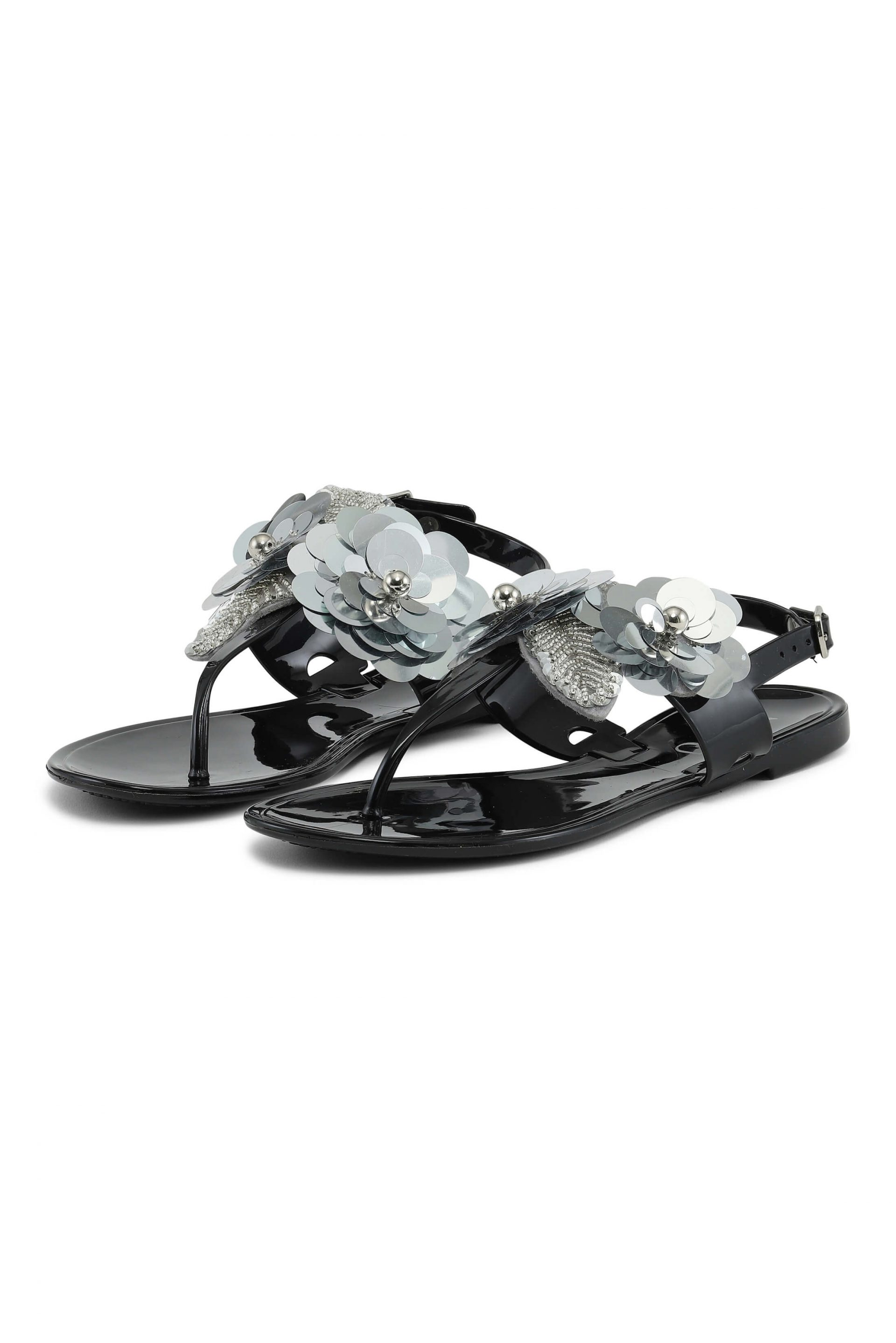Sandals with silver-coloured flower details