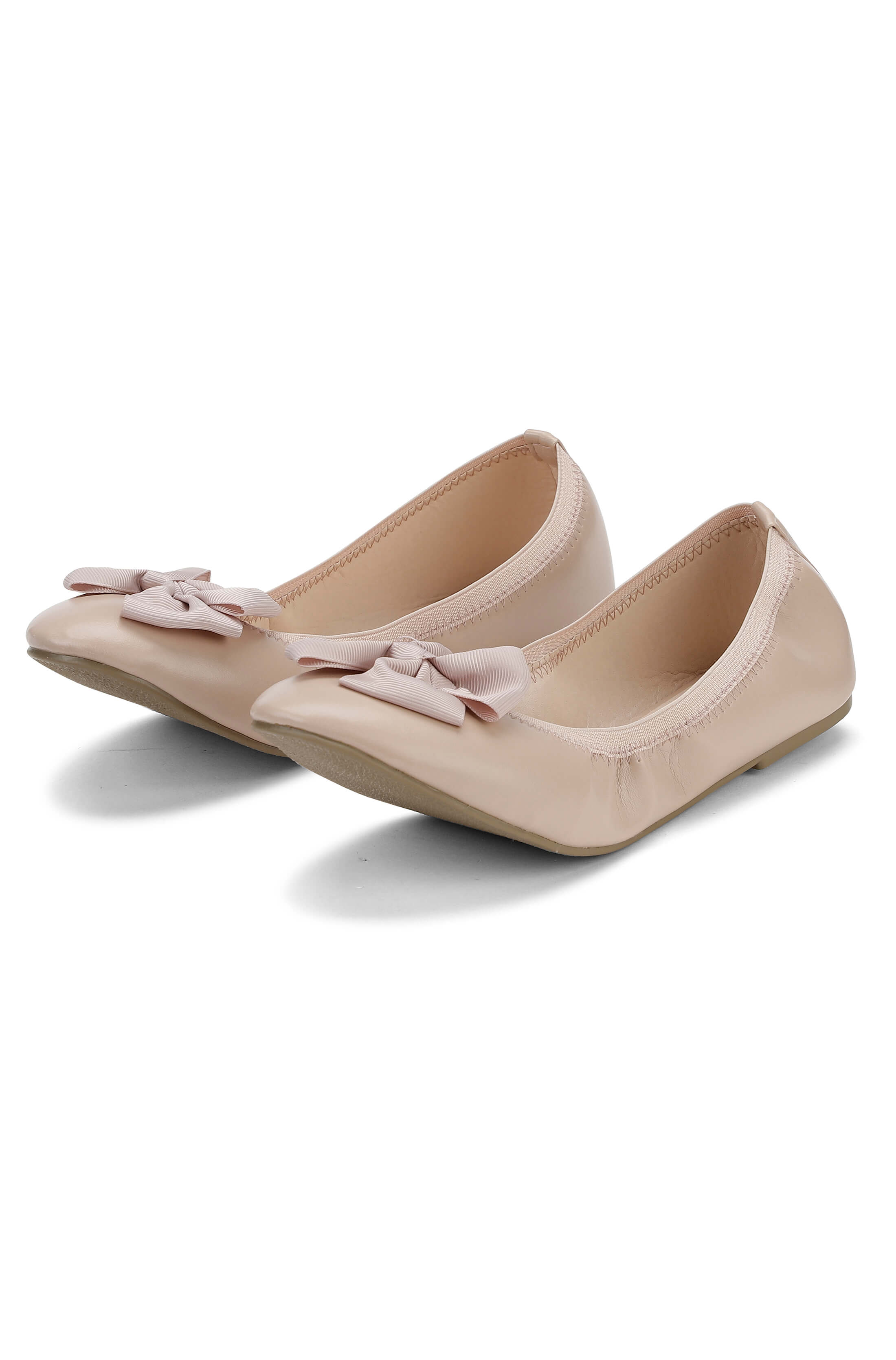 Soft nude ballerina with bow