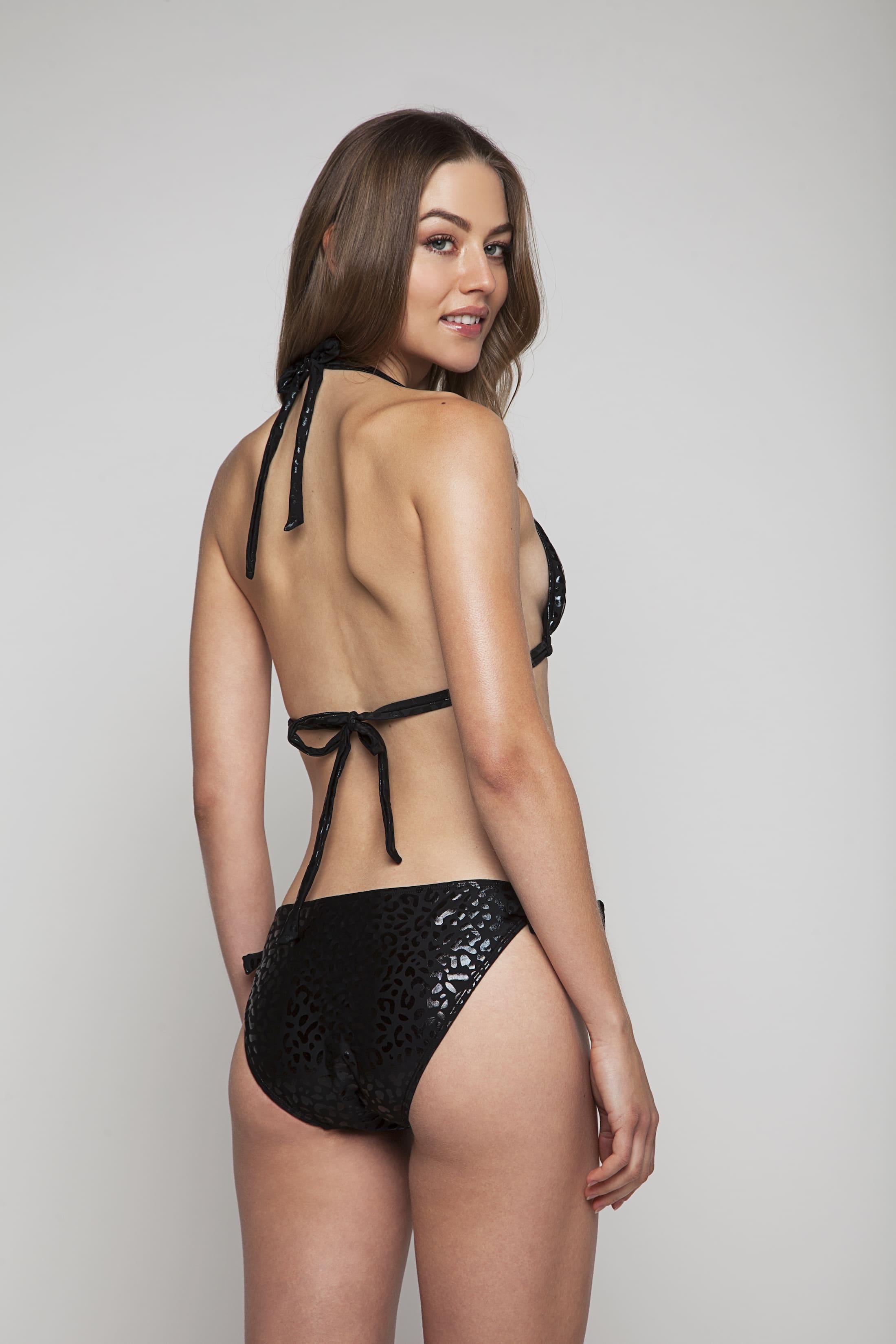Black bikini briefs with structure