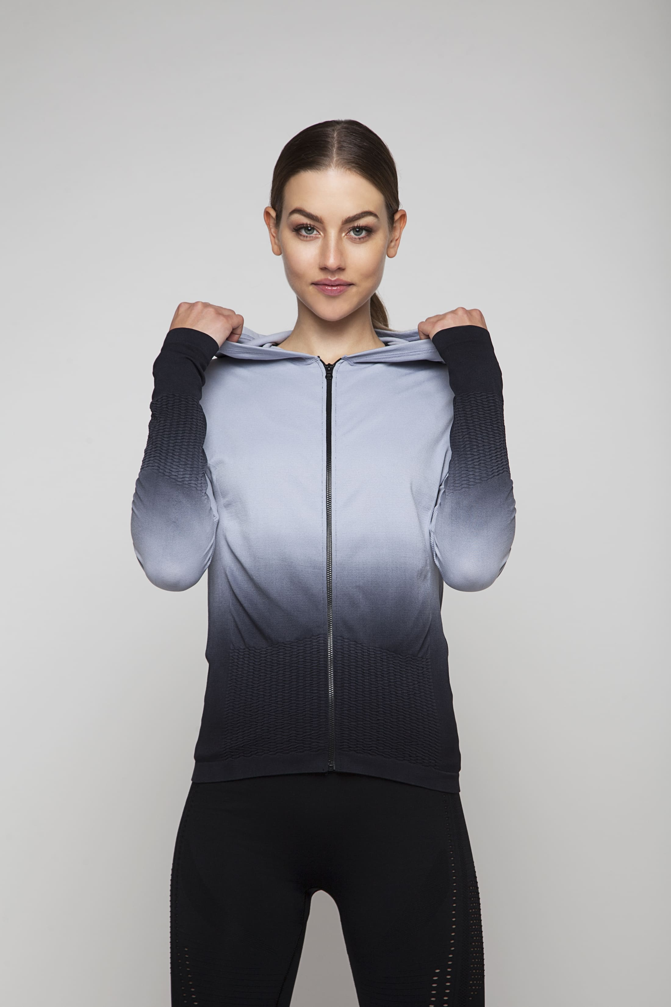 Soft grey training top with zipper