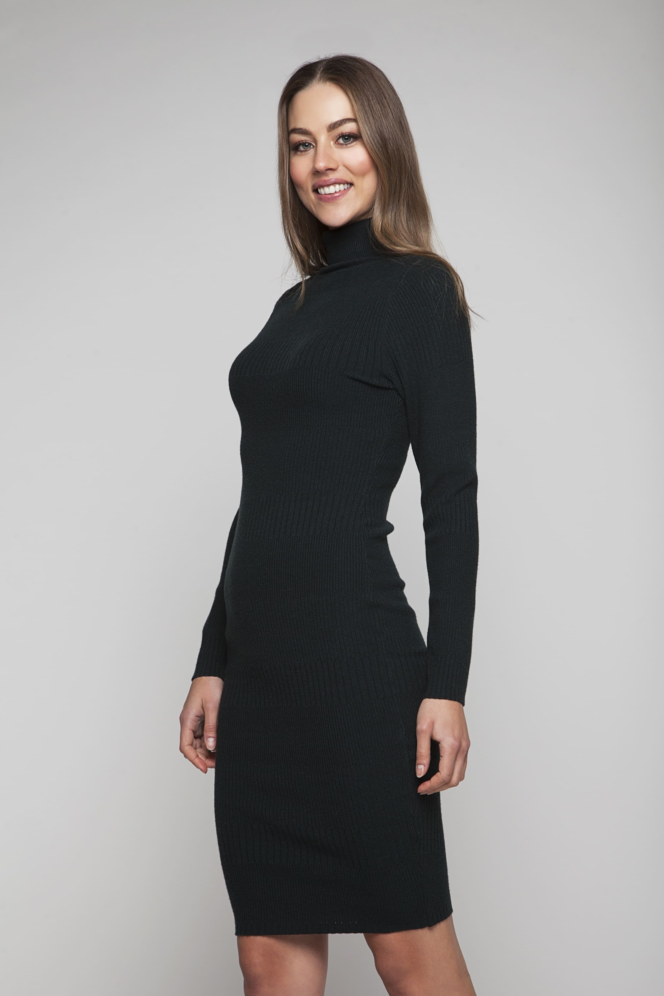 Soft green knitted dress with silver-colour buttons