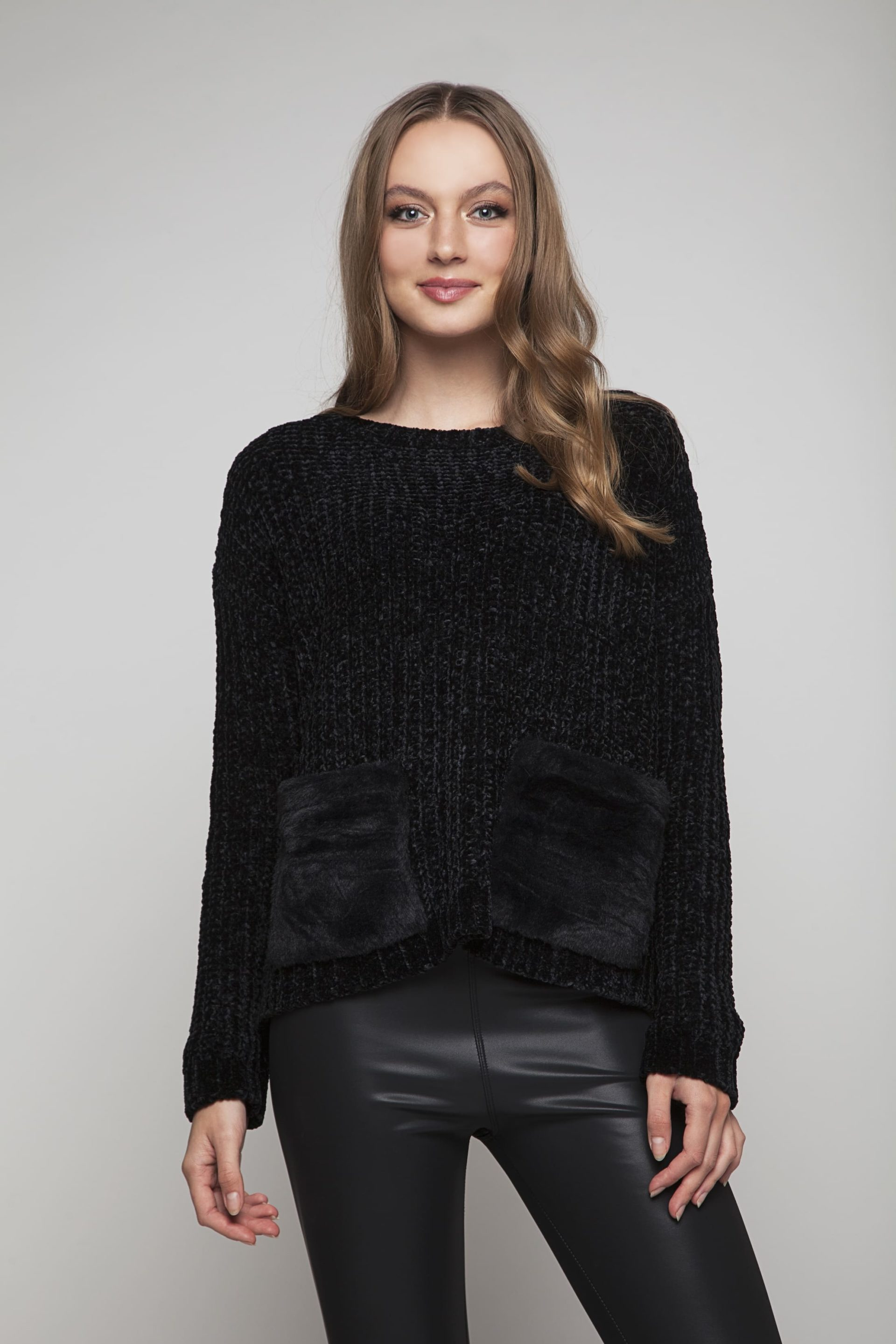 Sweater with black faux fur